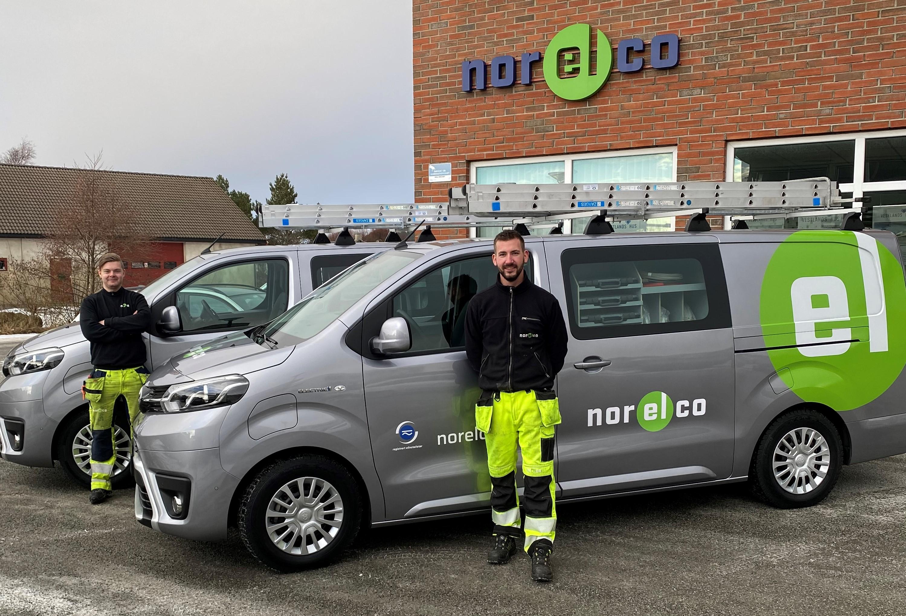 Andreas Solbakken og Kai Arne Hjortland med sine nye helelektriske varebiler