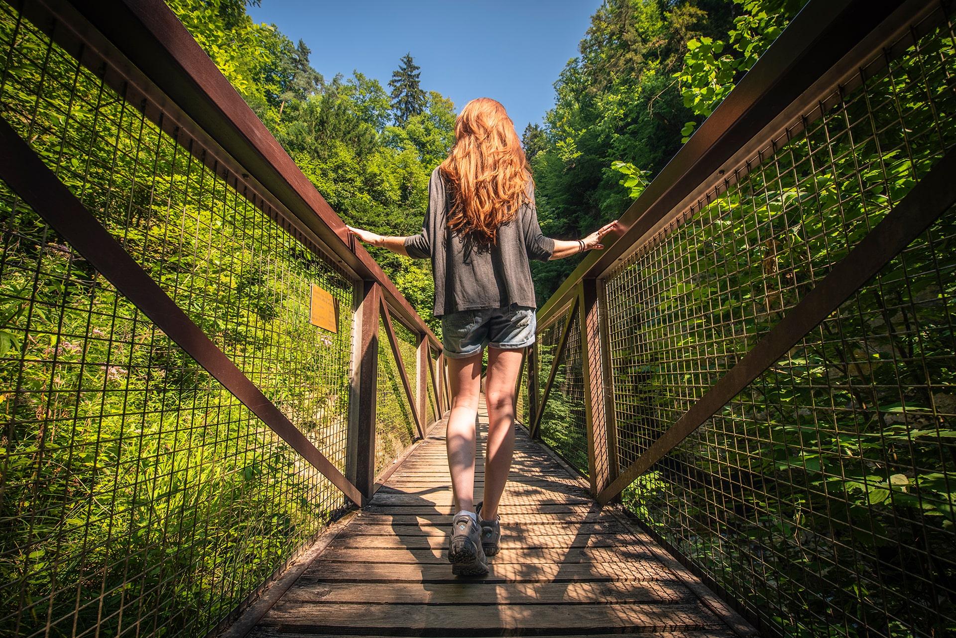 Blog Lifestyle - Pont sur les Gorges de l'Areuse - Suivre sa Joie - Saskia Parein