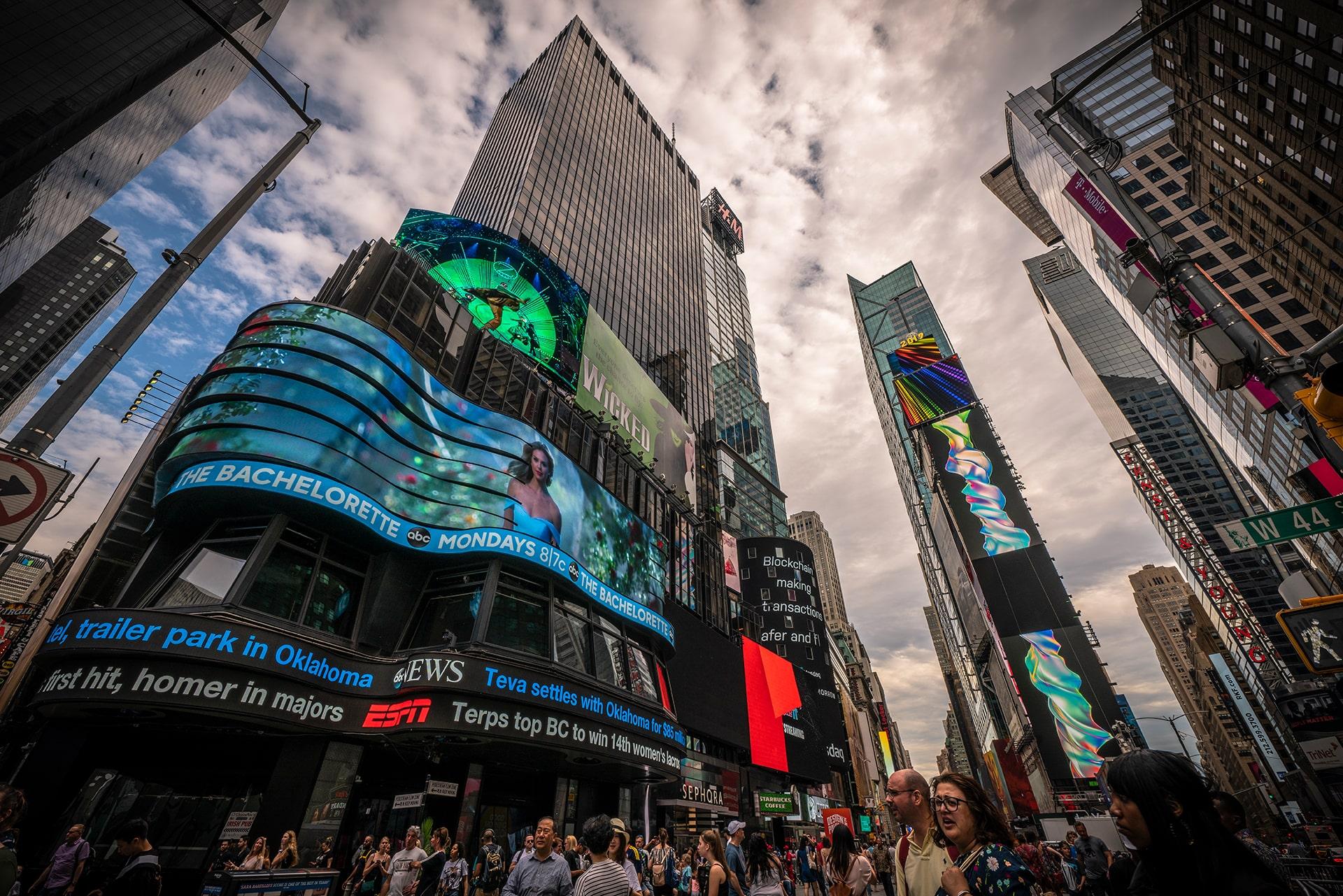 Blog Lifestyle - Au centre de Time Square - Suivre sa Joie - Saskia Parein