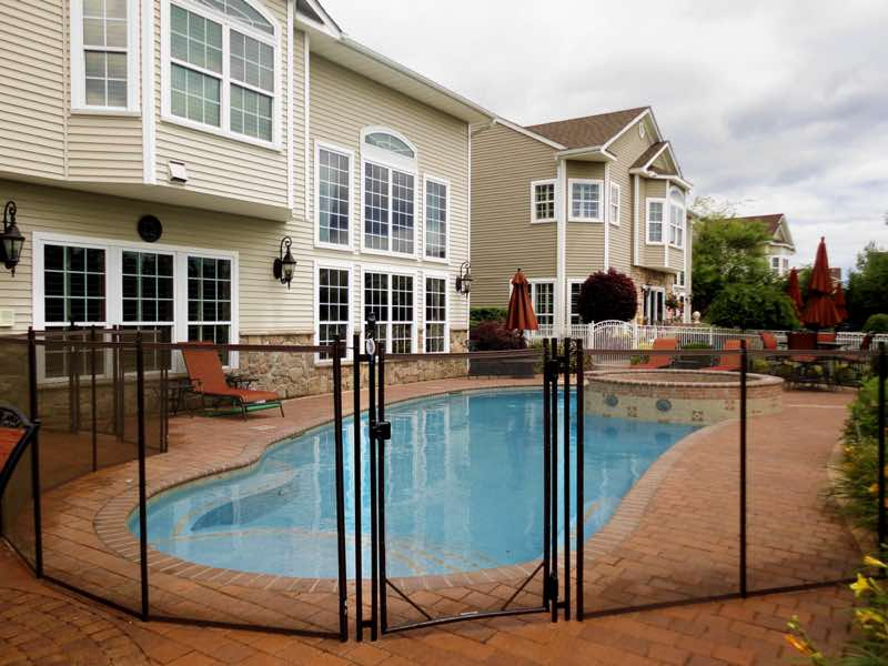 Guardian Pool Fence installed in Babylon New York