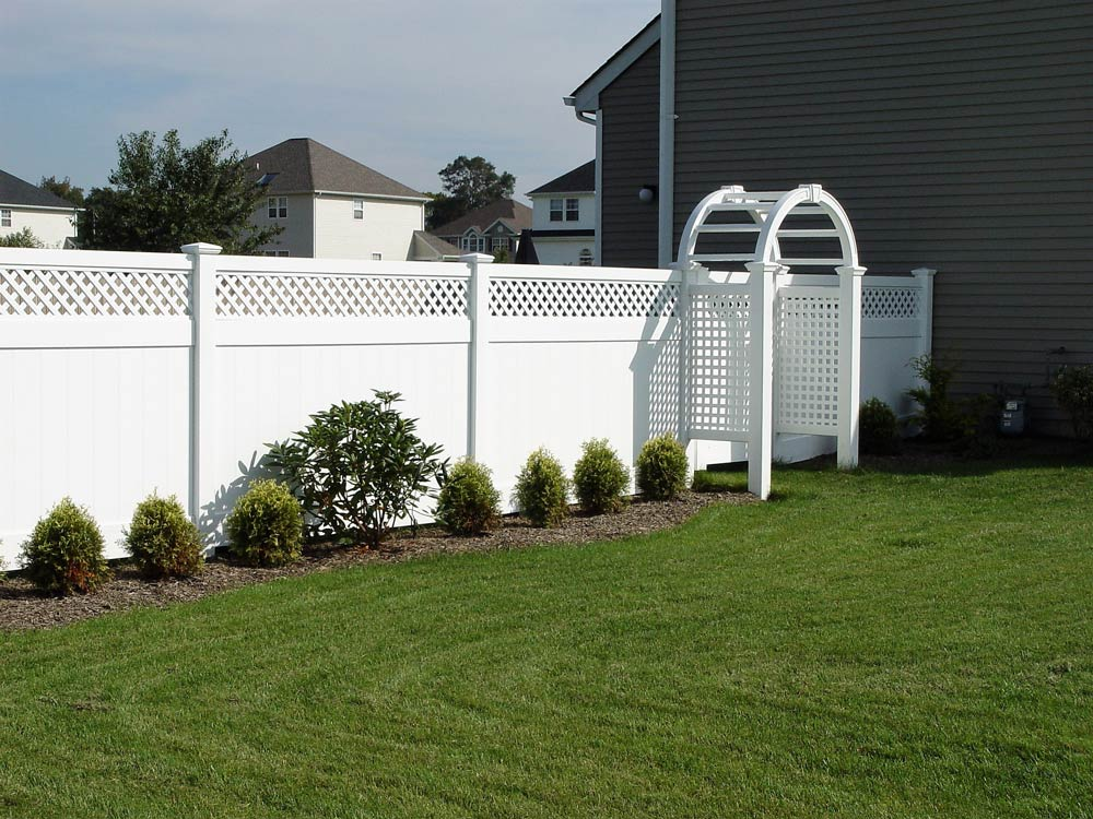 PVC fence installed by Sunrise Custom Fence in Long Island