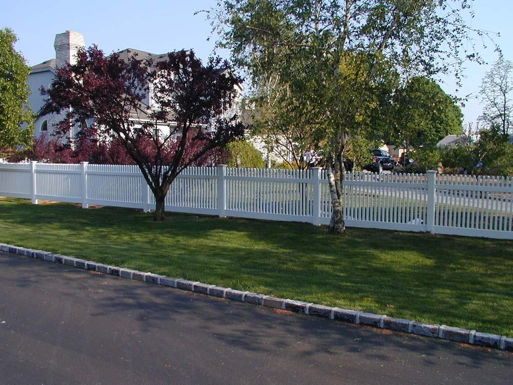 Victorian Picket Fence in Huntington, NY