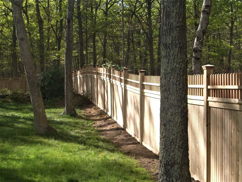 Cedar privacy fence picket topper