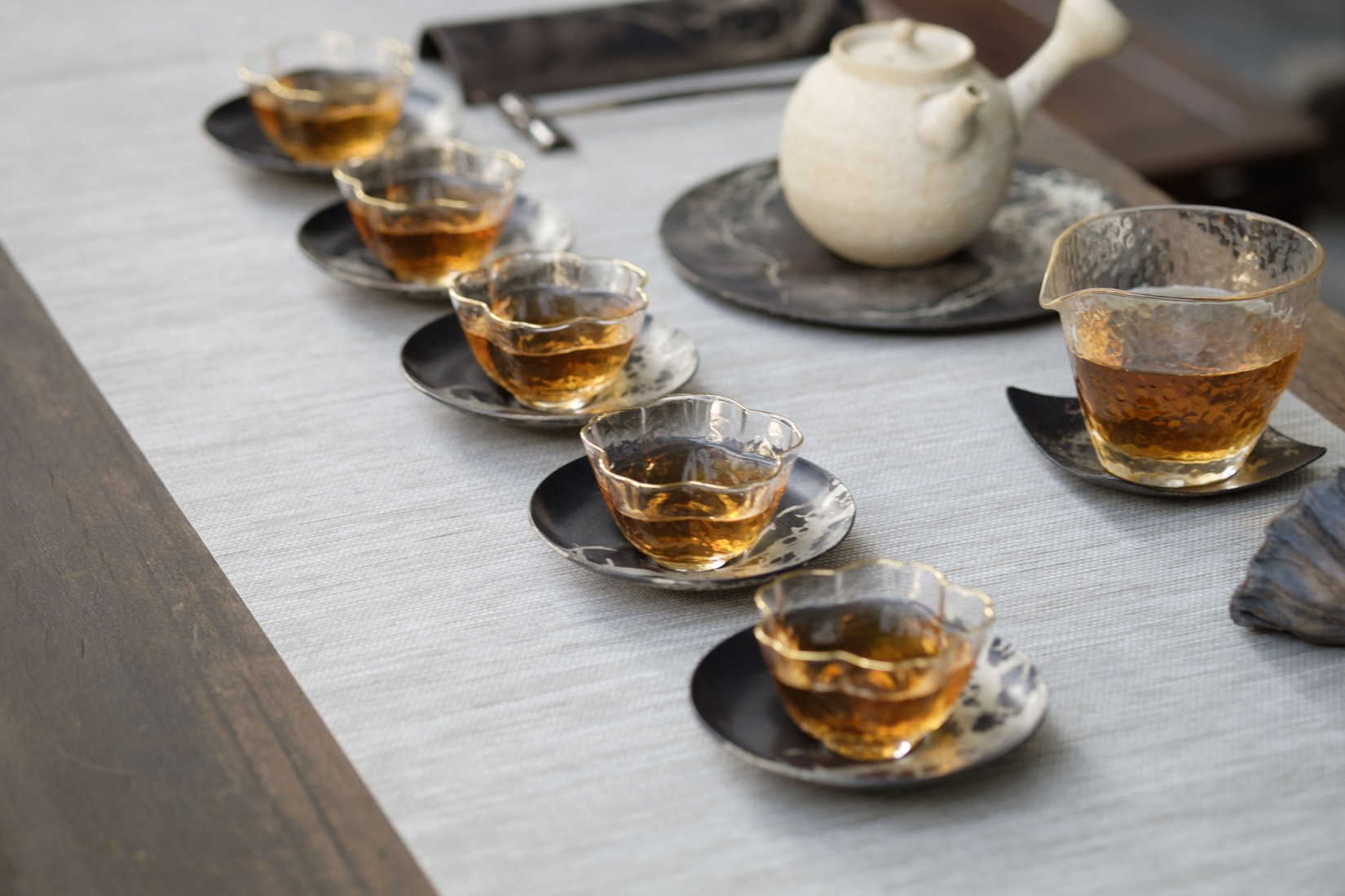 Tea infusers come in several different varieties, but whichever one you choose, make sure it is large enough to allow the leaves to expand fully.
