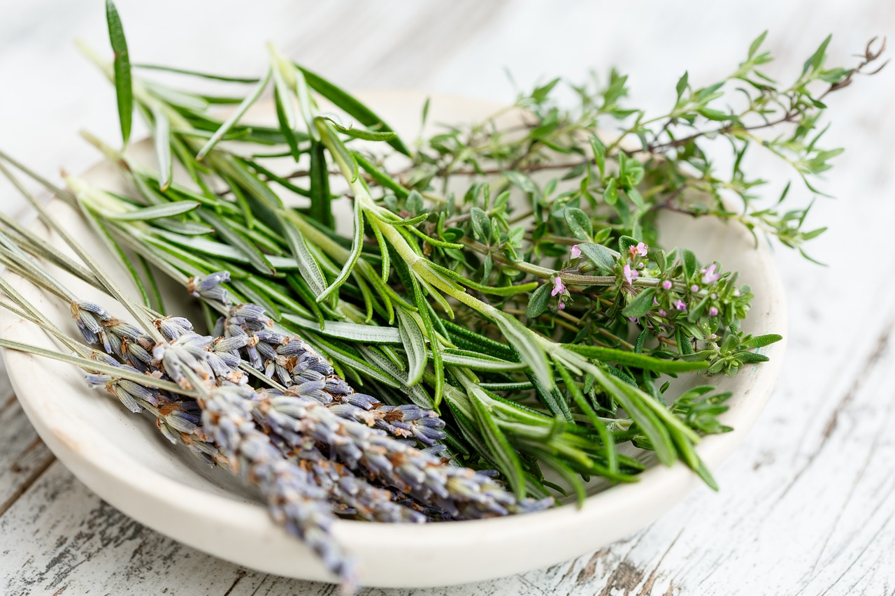 How To Make Rosemary Tea - Cup & Leaf