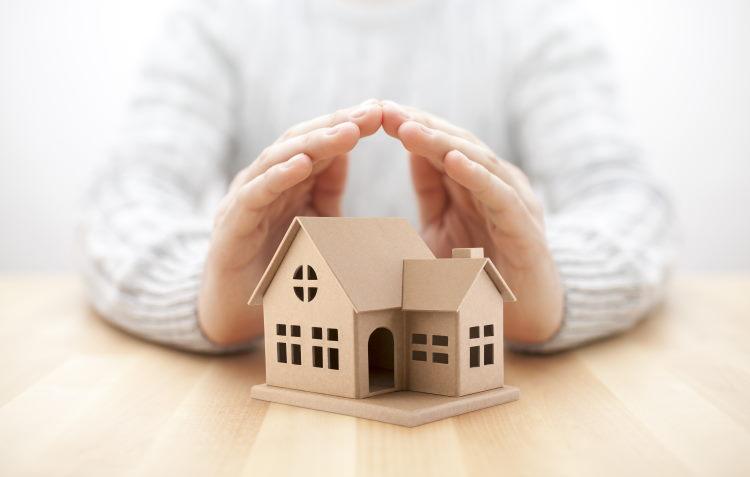 Avec la loi Hamon, l'emprunteur peut changer d'assurance de prêt à tout moment pendant la 1ère année du contrat.