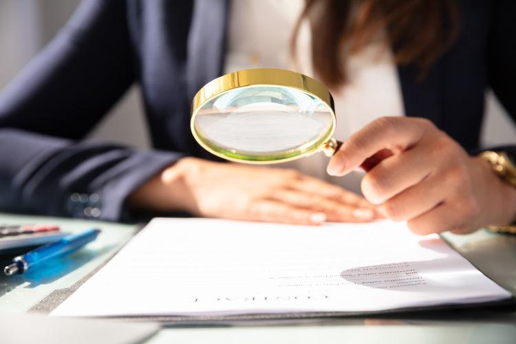 Étudiez bien les conditions particulières d'un contrat d'assurance de prêt : elles explicitent le champ d'intervention de la compagnie en cas de sinistres.