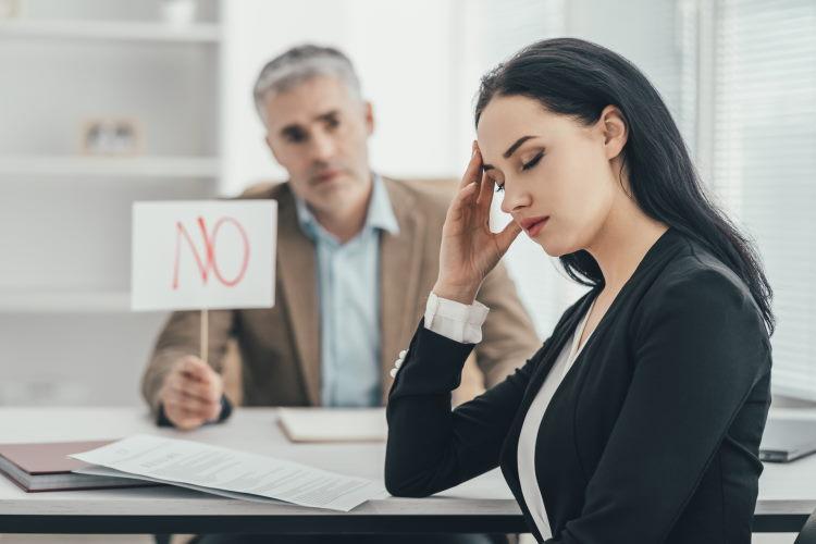 Le refus d'assurance peut être, soit partiel (surprimes et exclusions de garantie) ou total, mais il existe des alternatives.