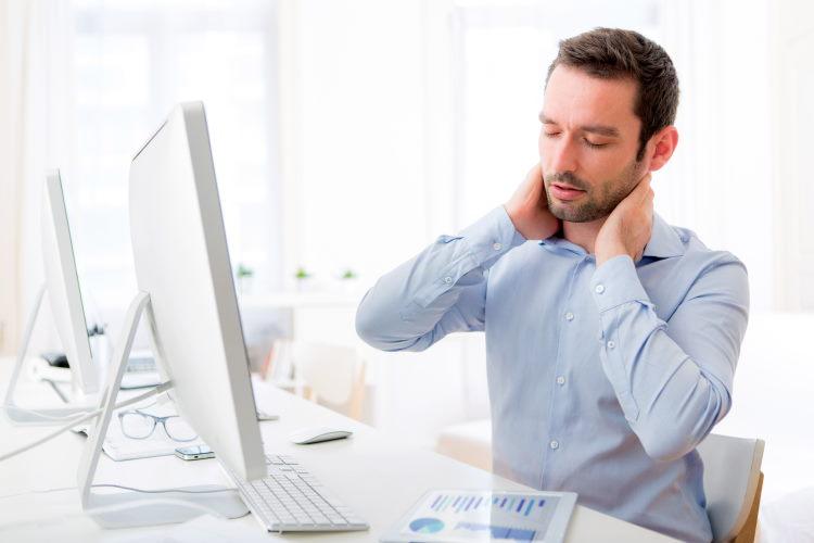 Les affections dorsales (lombalgie, sciatique, cervicalgie, hernie discale…) sont rarement couvertes dans les contrats d'assurance, alors qu'il s'agit d'un mal que 90 % des Français ont ou auront un jour…