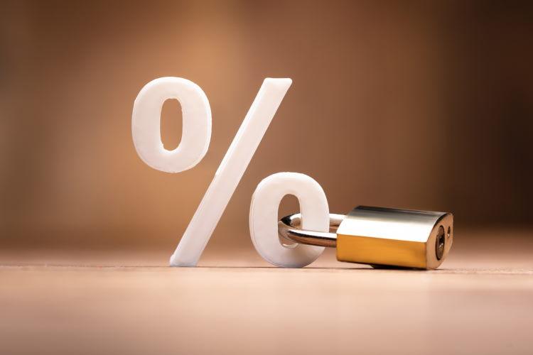 Le prêt immobilier à taux fixe est une formule plébiscitée par les Français : une approche sécurisée où le montant de toutes les échéances est connu.