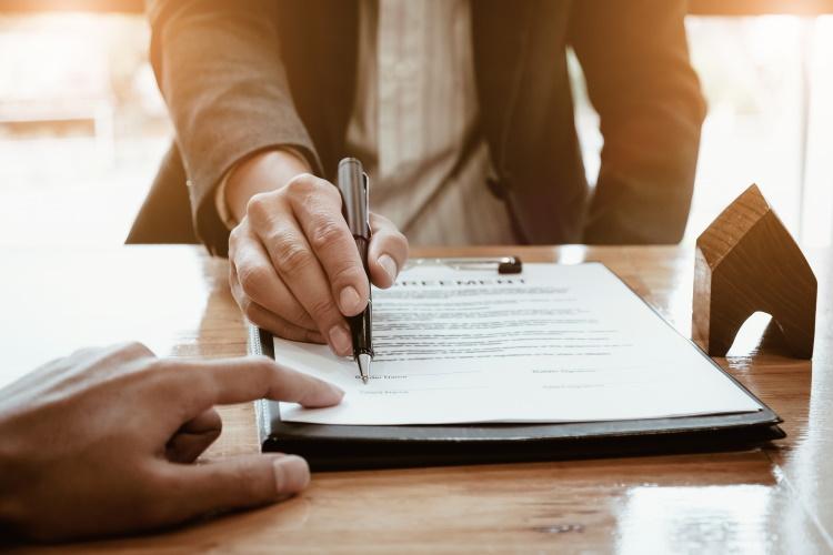 Changer d'assurance emprunteur : que faire lorsque le banquier fait tout pour vous décourager !