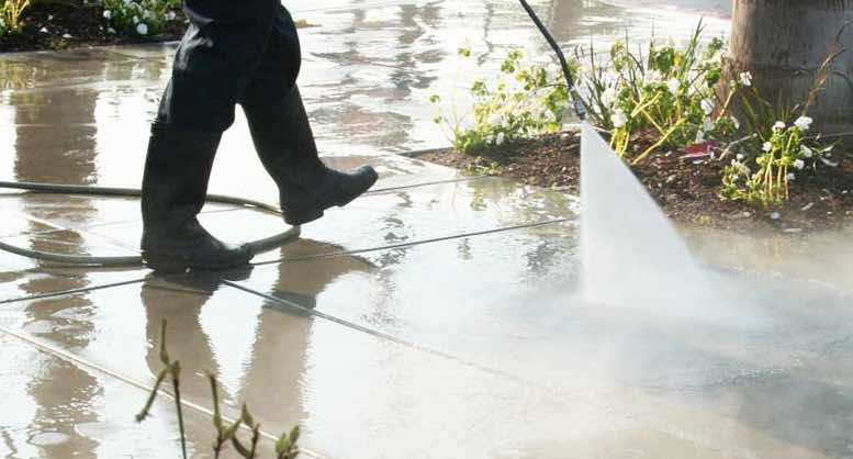 Pressure Washing in Evansville IN