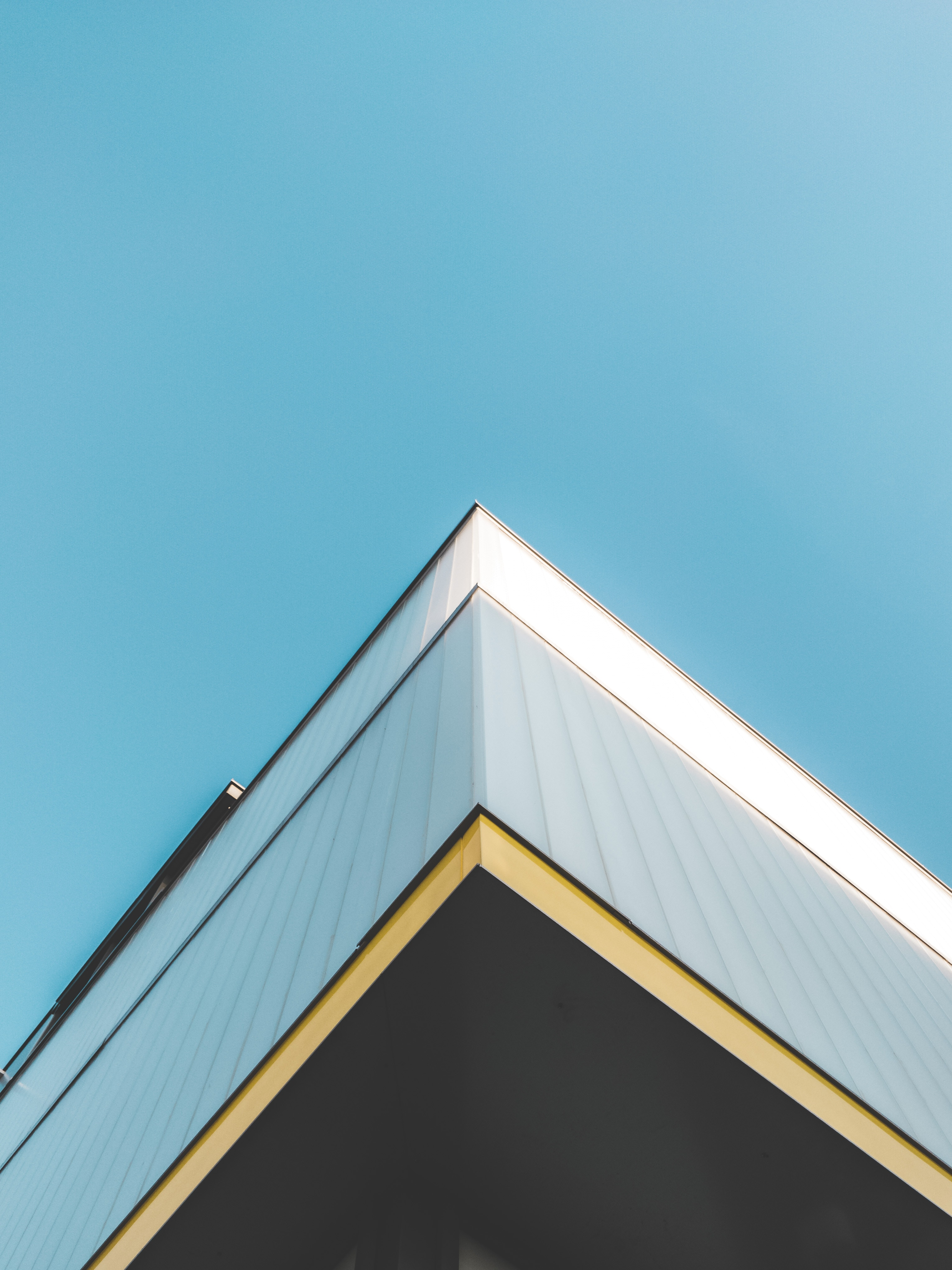 Flat Roofs The Practical Choice For Commercial Use Buildings