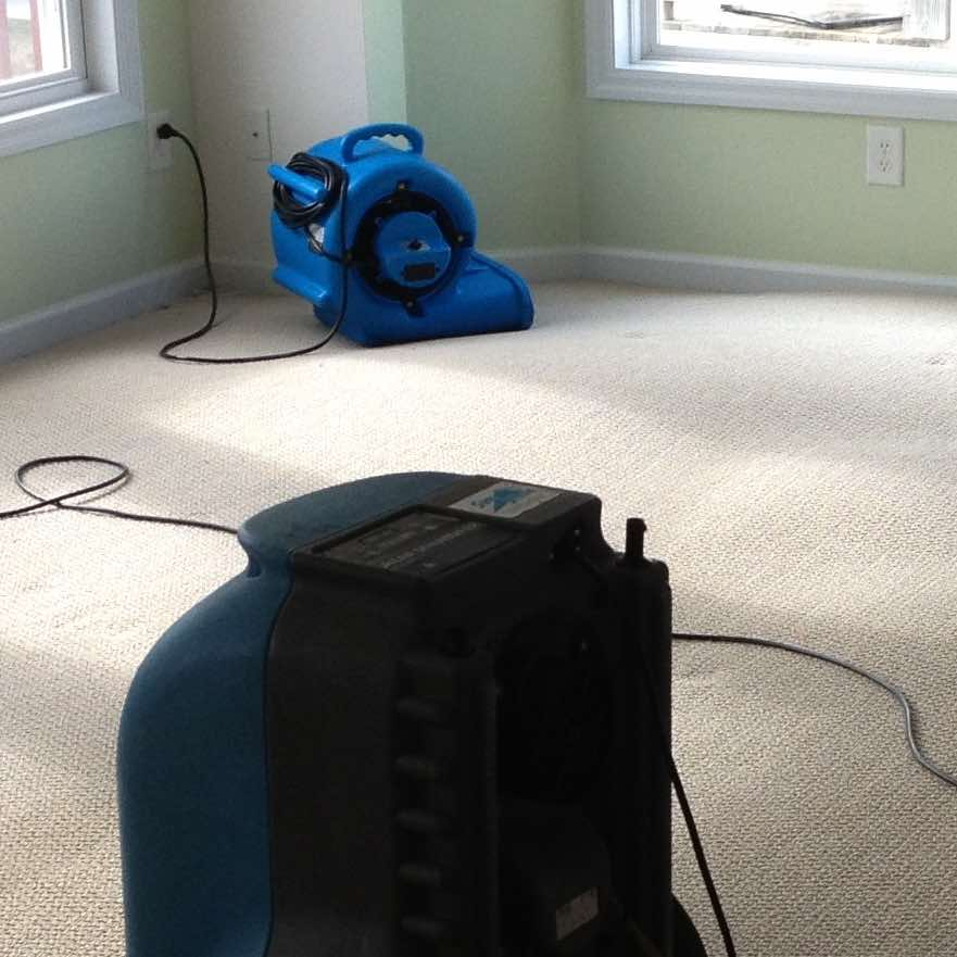 Drying a room in Angels Camp after water damage