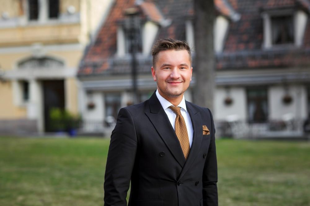 Q&A med leder i NEF Ung, Anders Kløvning