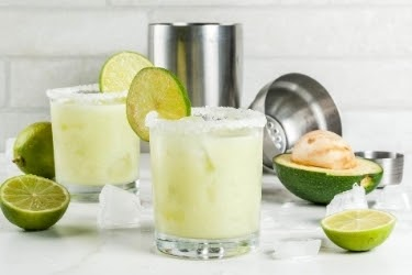 Margaritas with avocados and lemons