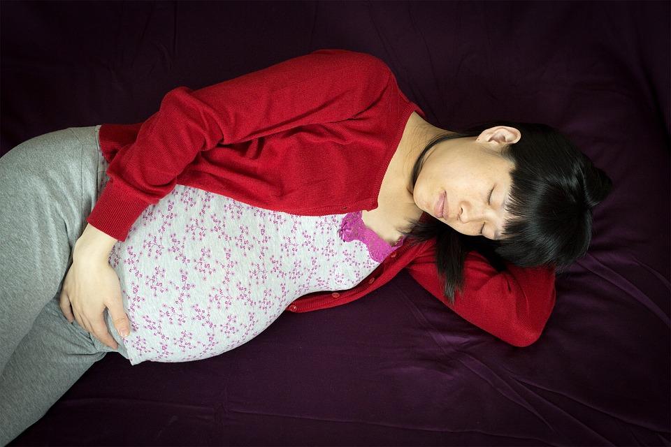 Pregnant woman sleeps