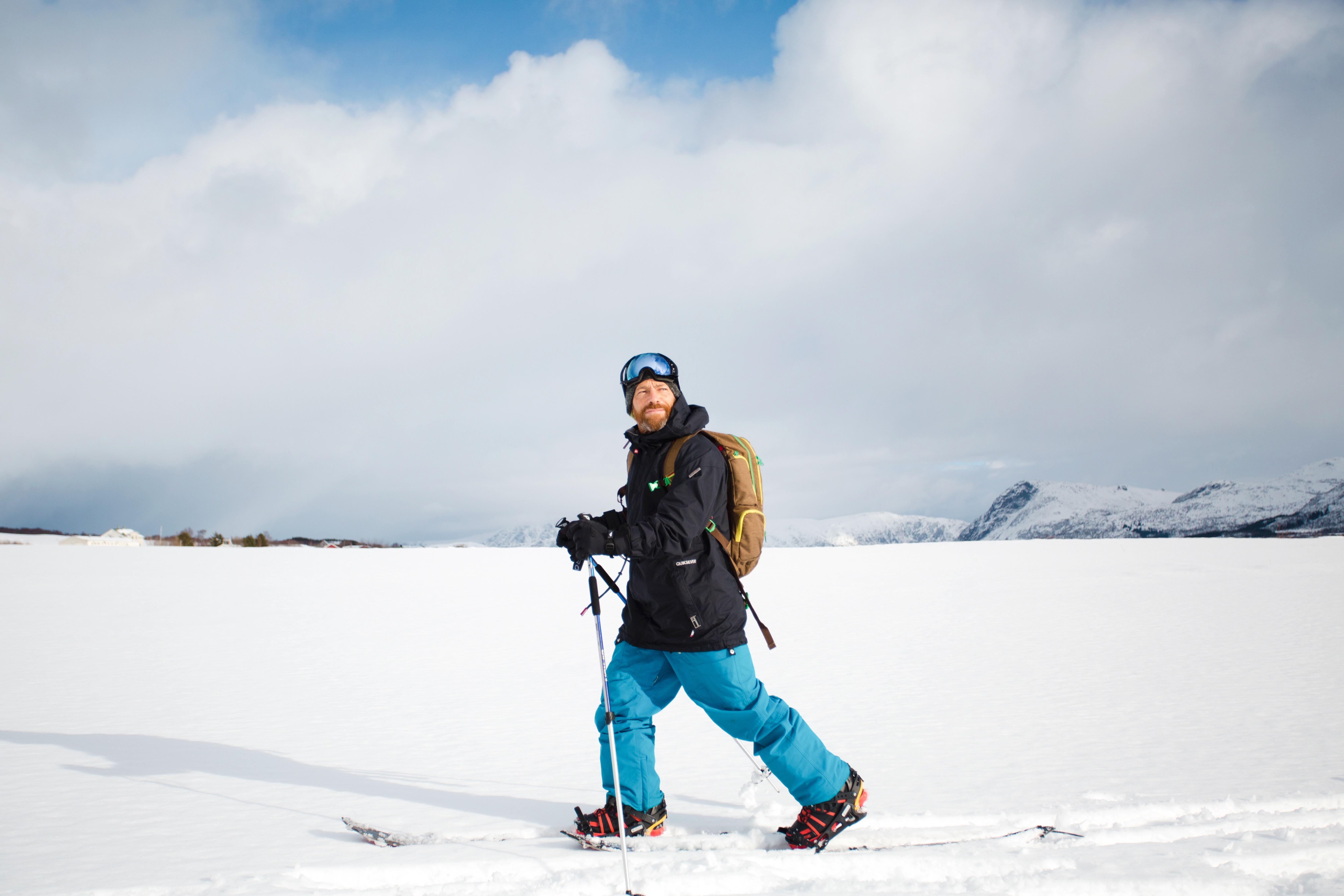 Tom Carroll splitboarding Lofoten.