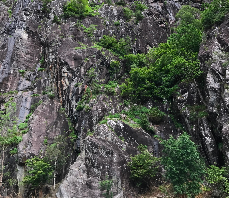 Bratte fjellsider