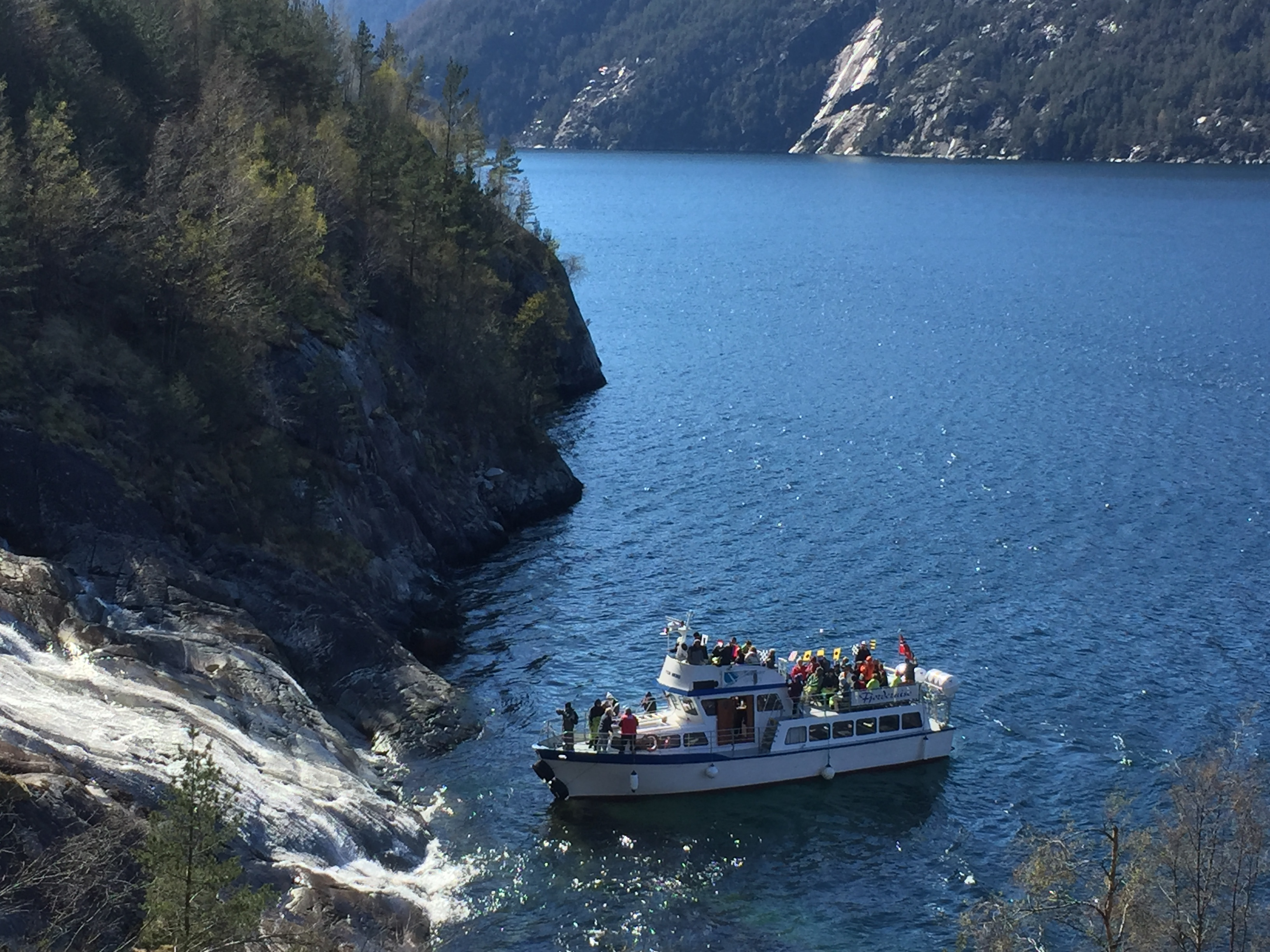 MV Stein Viking at the Langfoss waterfall