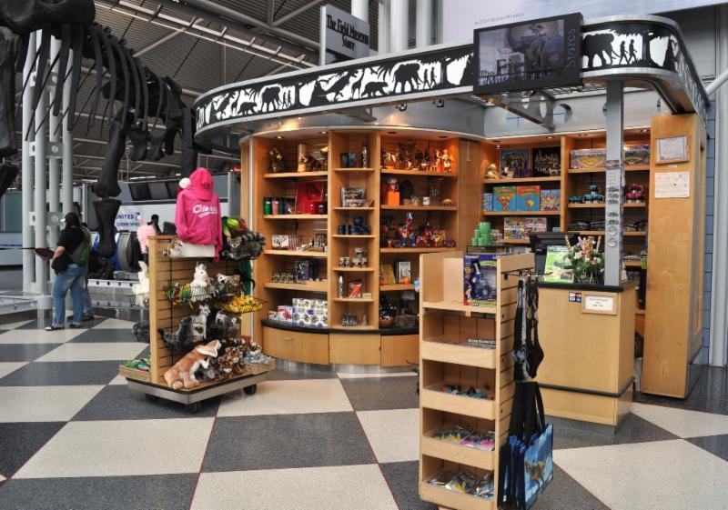 Field Museum of Natural History store in airport