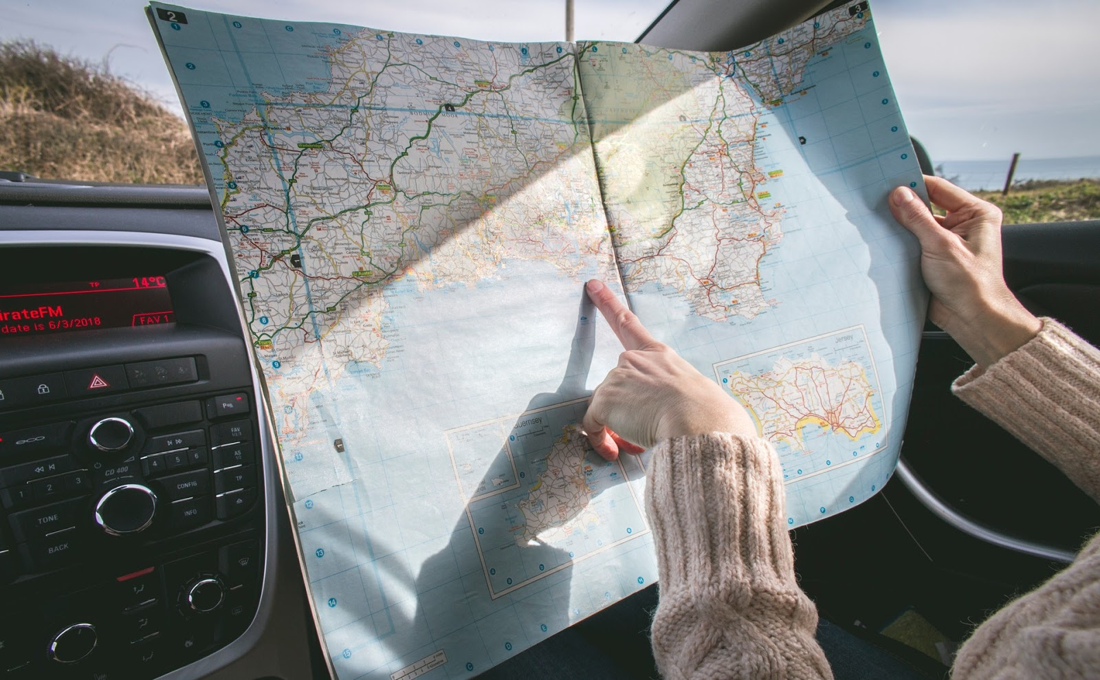 travel tip map reading
