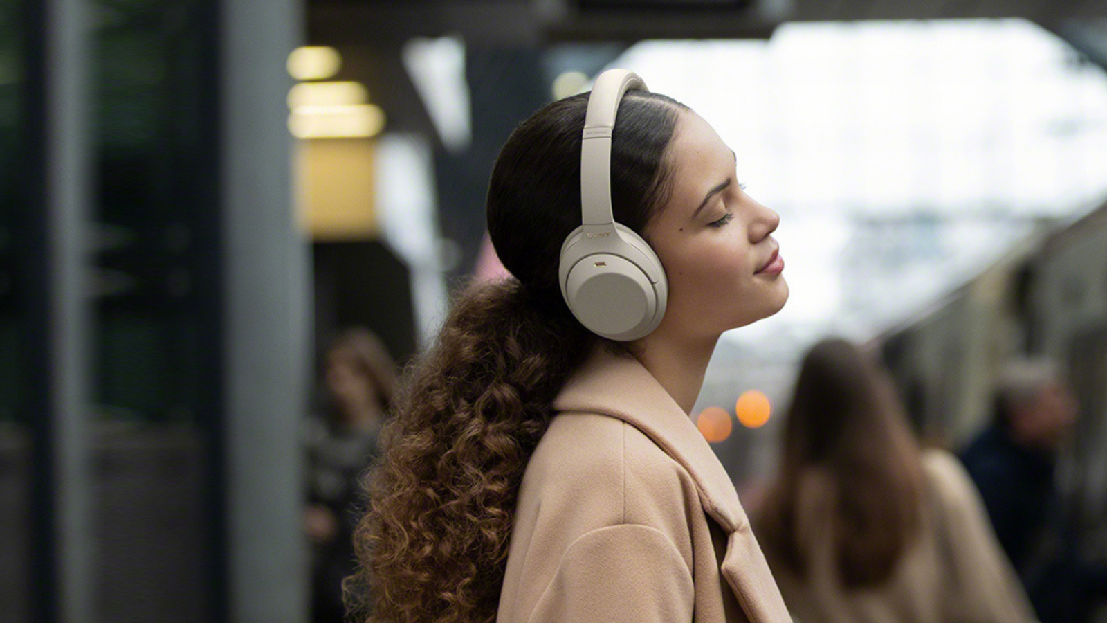 Soothe your mind with the smooth beats of Sony WH1000XM4 Wireless Headphones