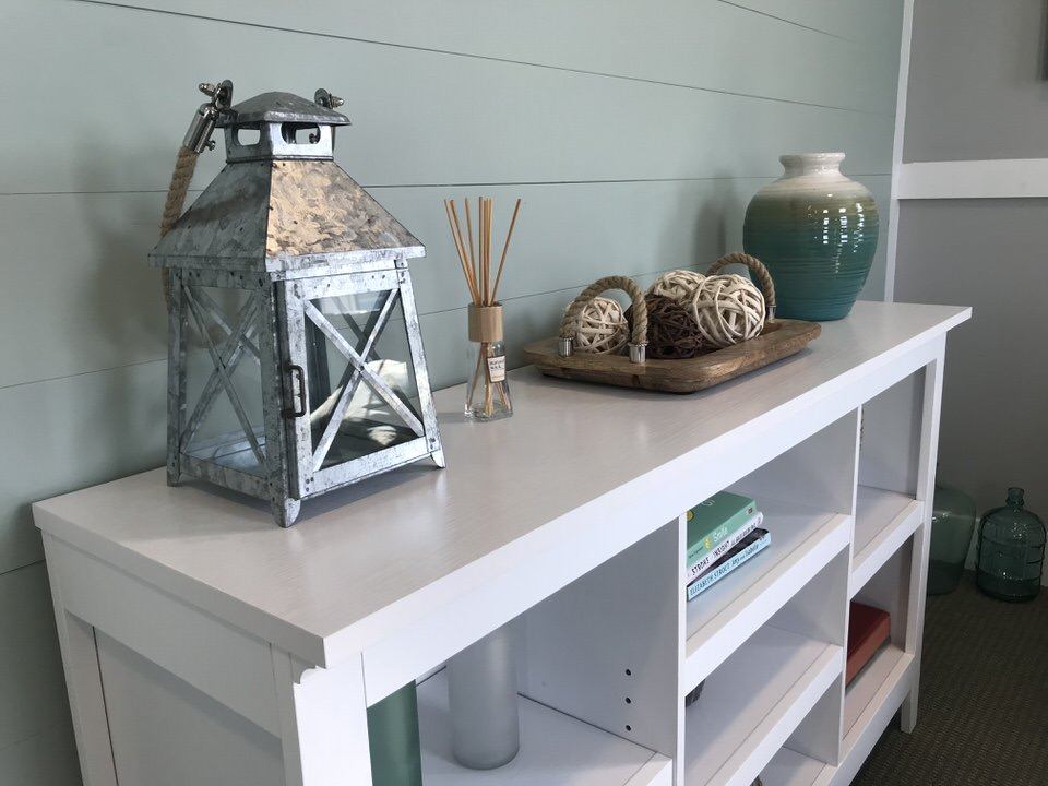 Amenity table