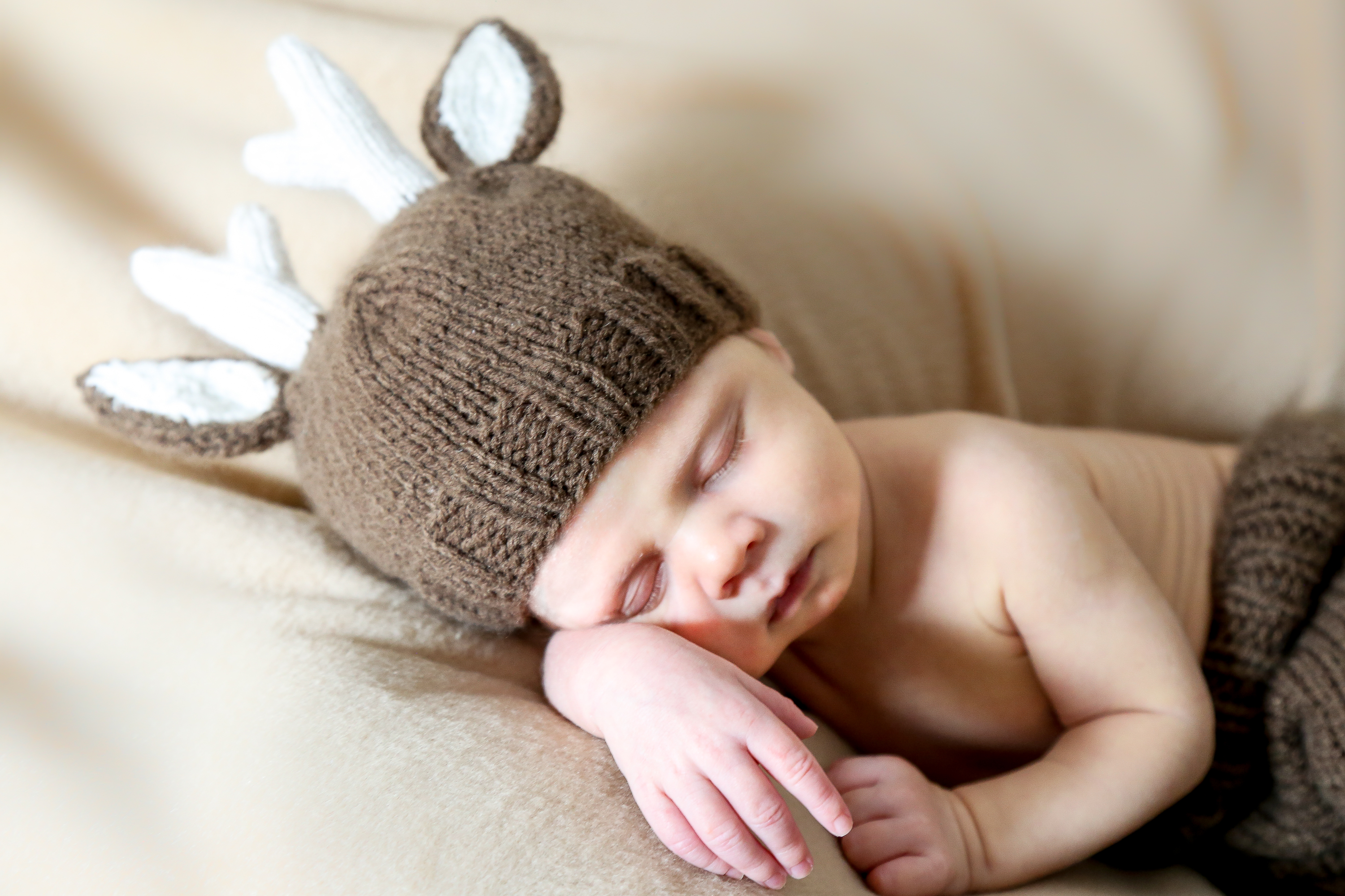 Newborn photographs of baby boy, Finley Harold Maki, one month old.