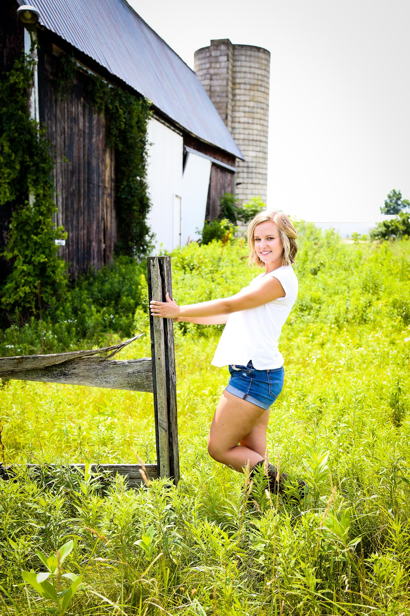 Shelby Gulpker's senior photography session located in Grand Rapids, Michigan.