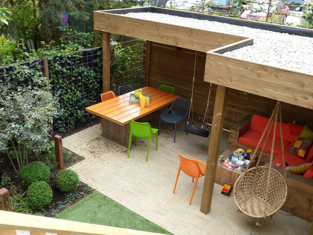 De belangrijkste wens was om via de bestaande veranda de tuin in te kunnen.