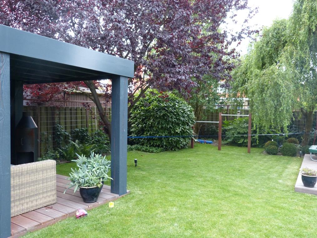 Veel groen en speelruimte in deze tuin.