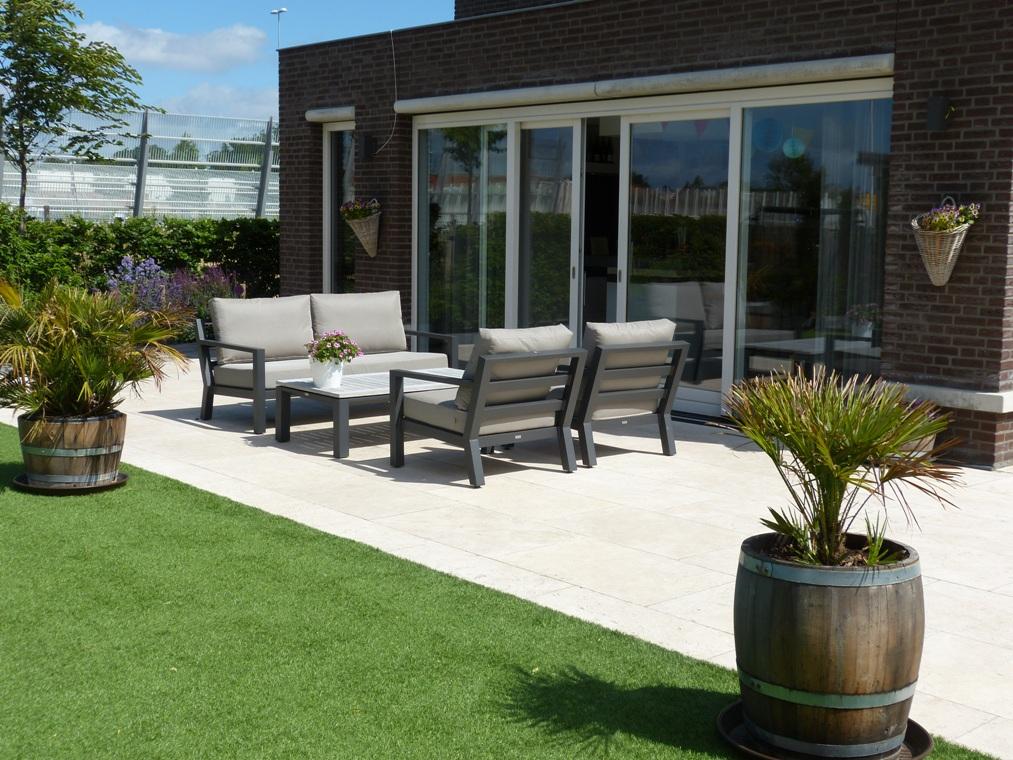 Een zelf aangelegde tuin in Leiderdorp