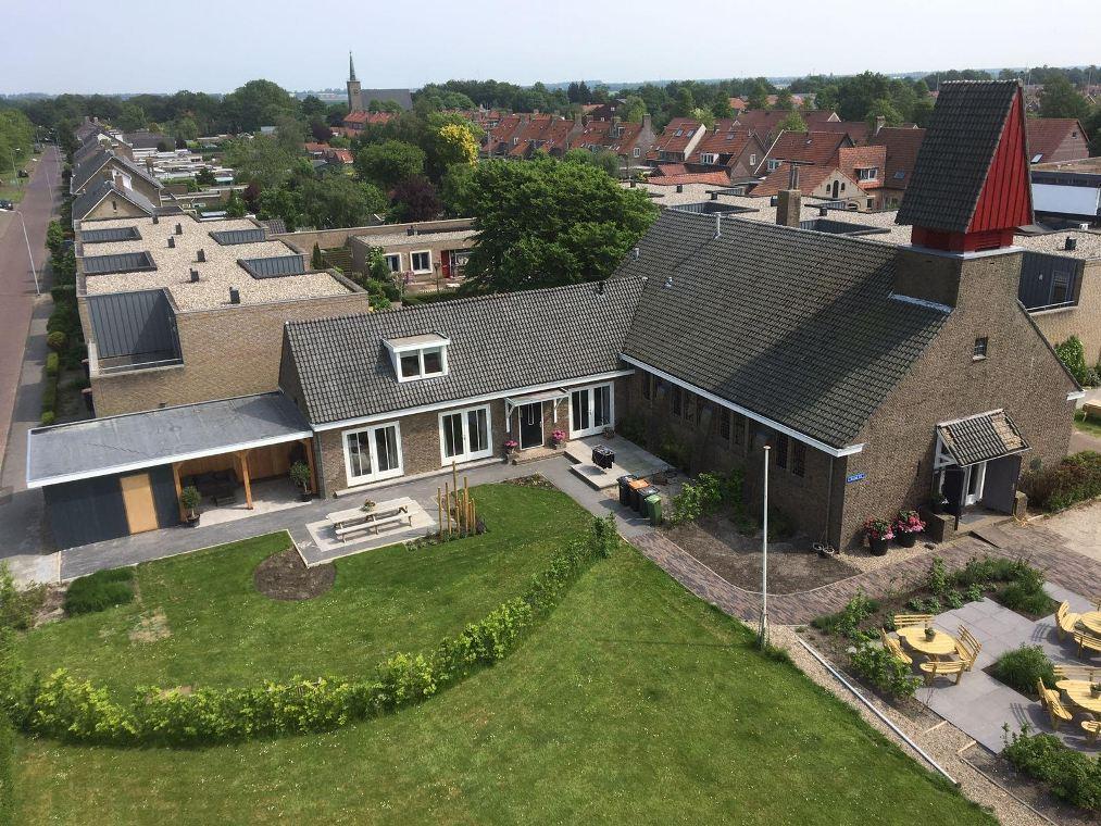 Dagbesteding in een kerk in Slooptdorp