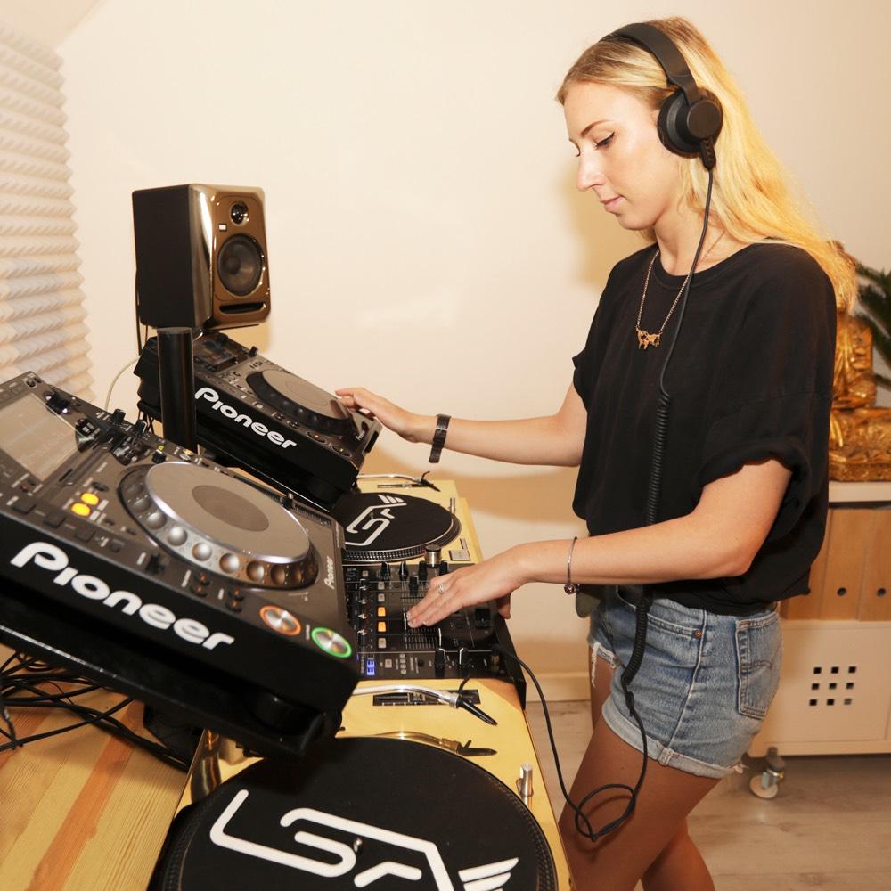 Become a better DJ