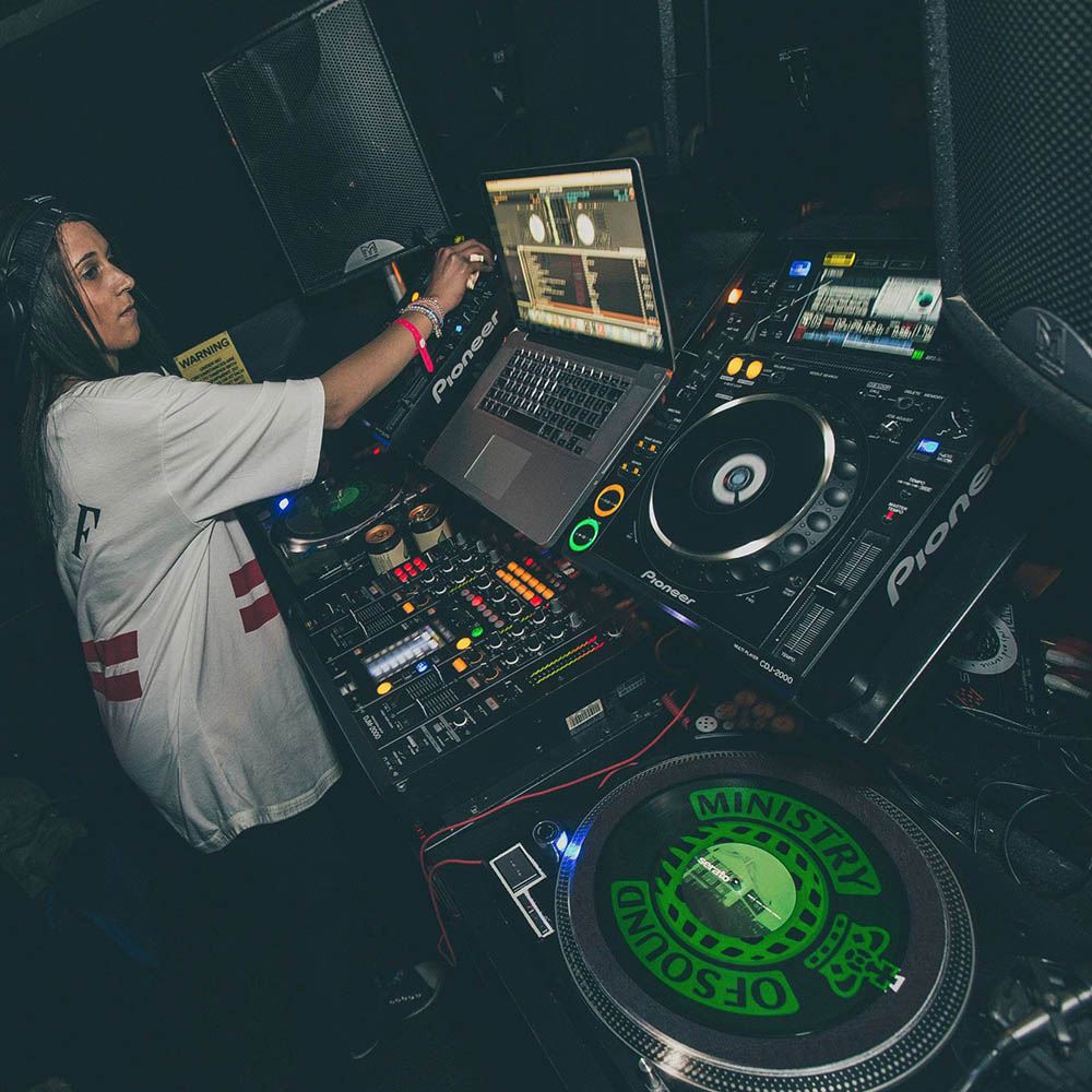 Female Friendly DJ Lessons