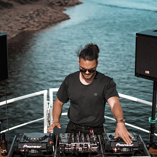 Do DJs need to pay for Insurance?