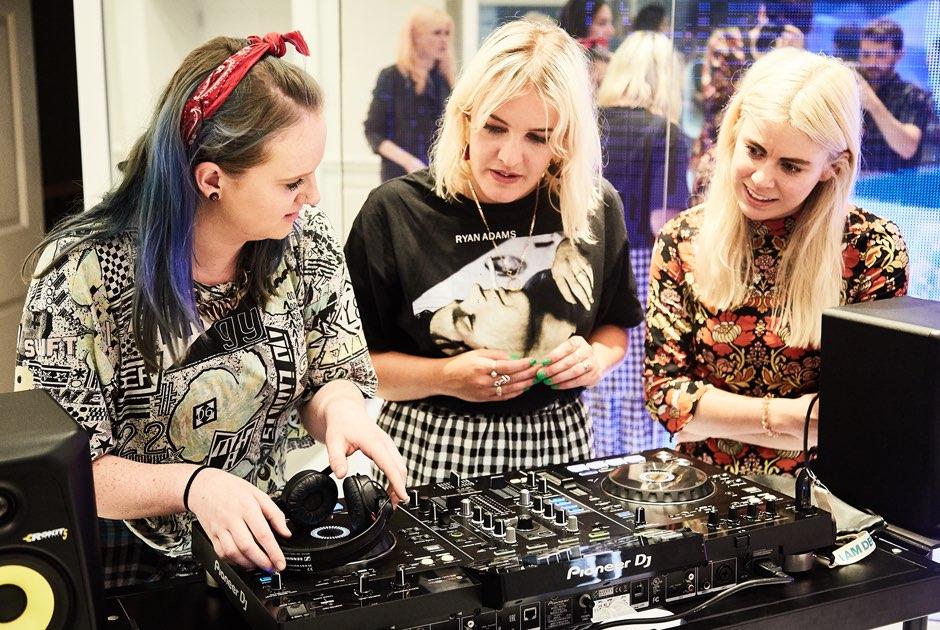 Alumni DJing