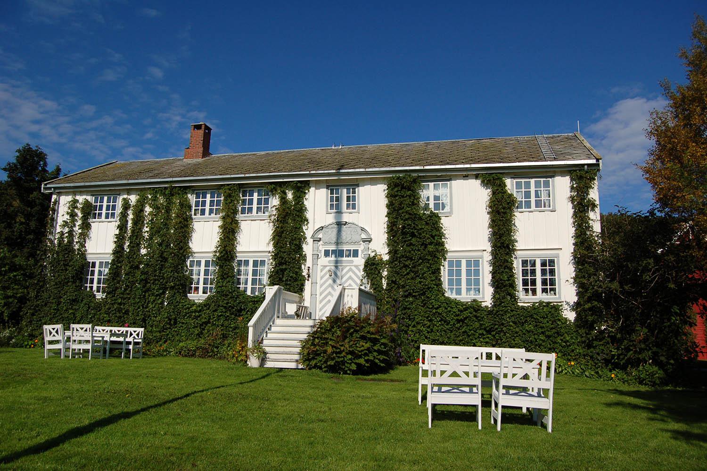 Røkenes Farm & Guesthouse