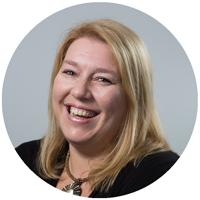 Ansprechpartnerin für Jobs bei LINK Mobility: Kathrin
