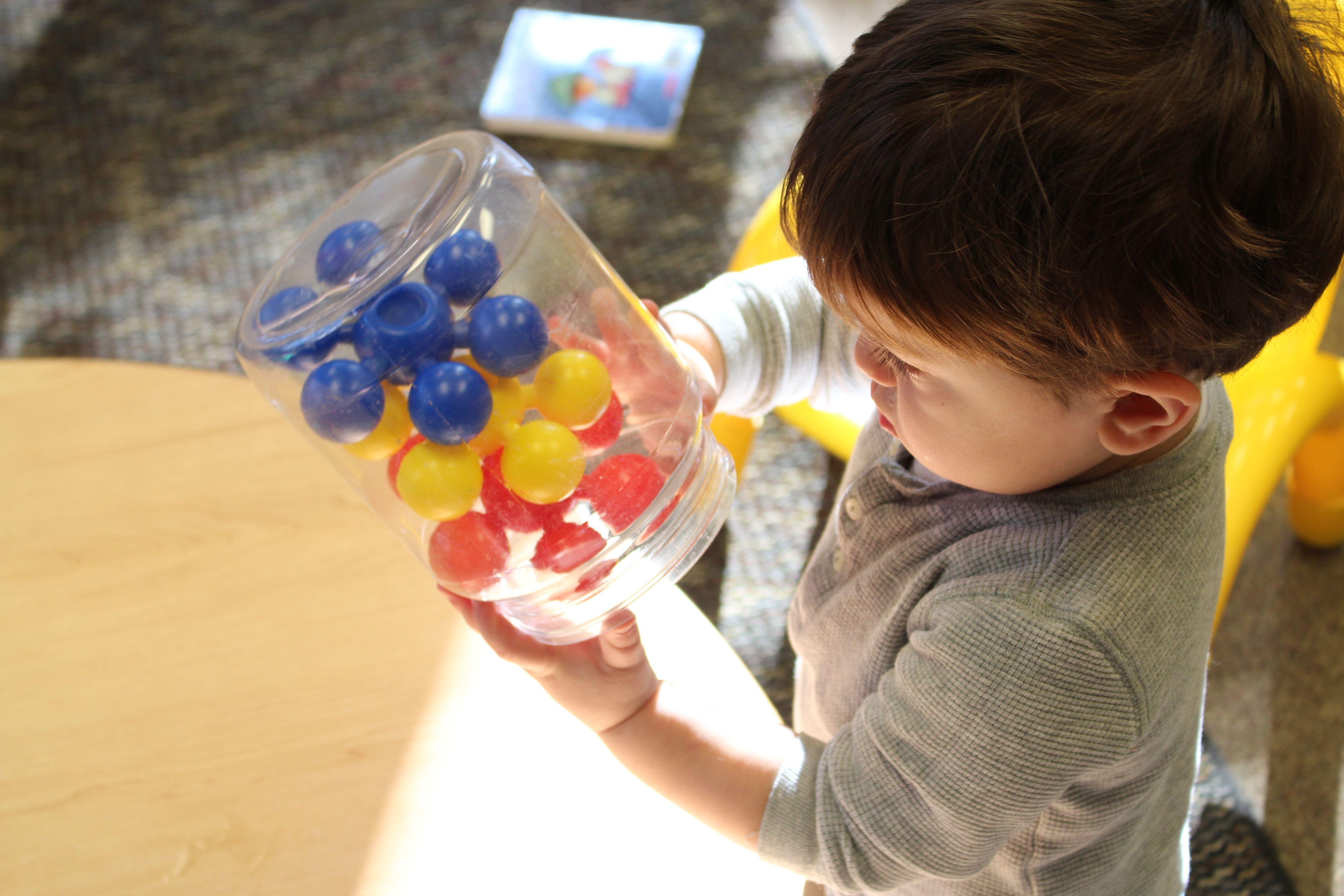 Older infant learning colors