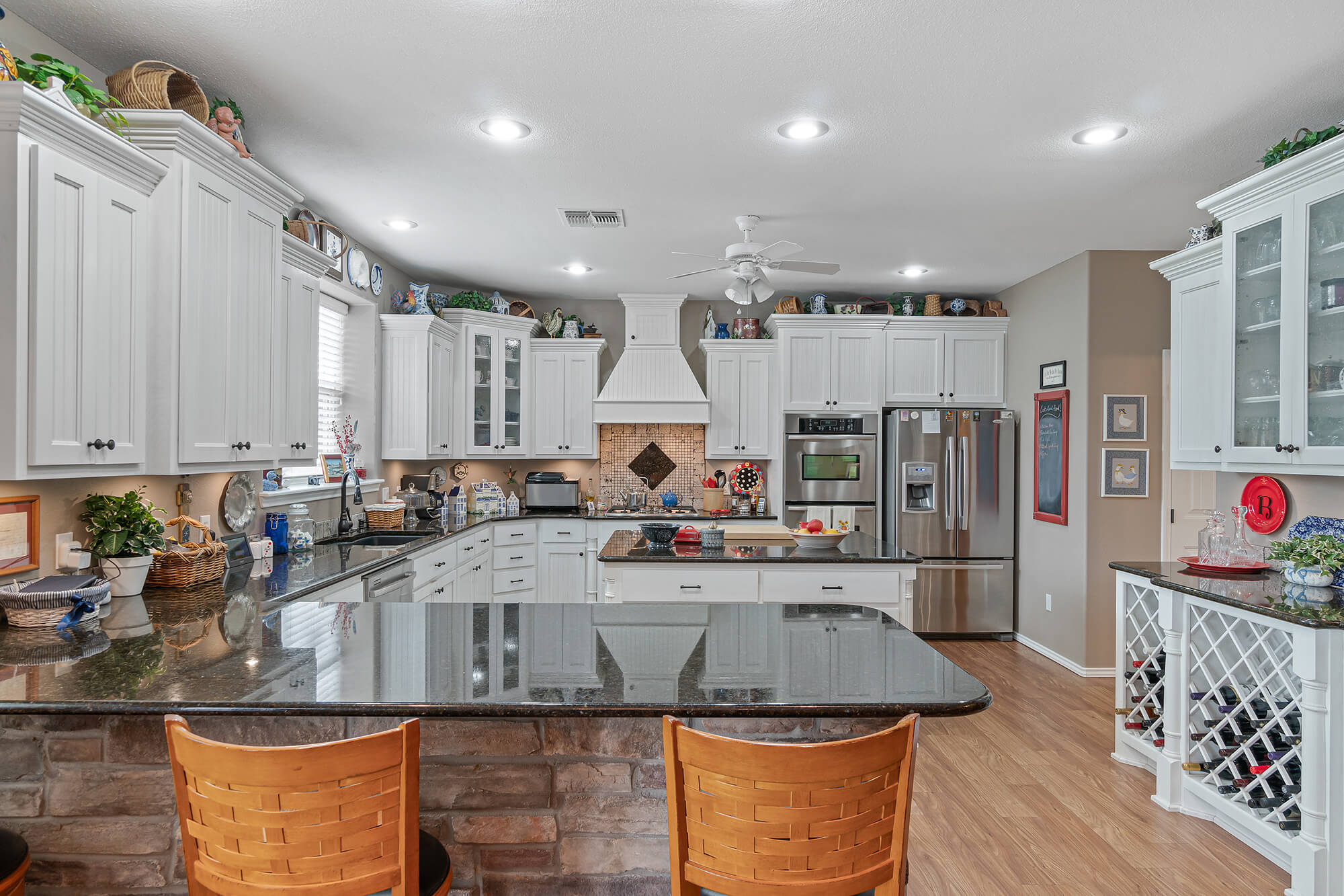 Tailwind hangar home kitchen and dining