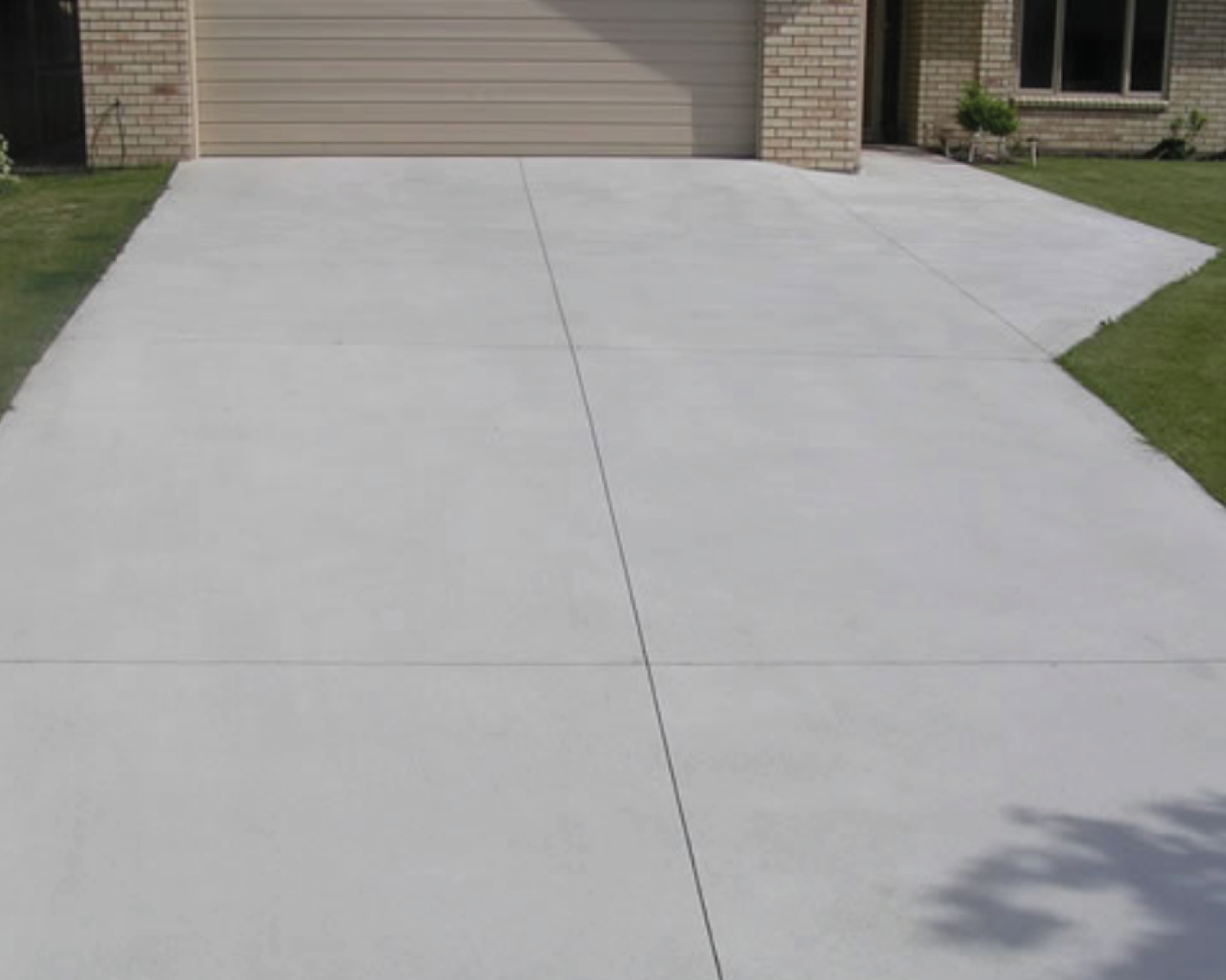 brushed-concrete-driveway-4