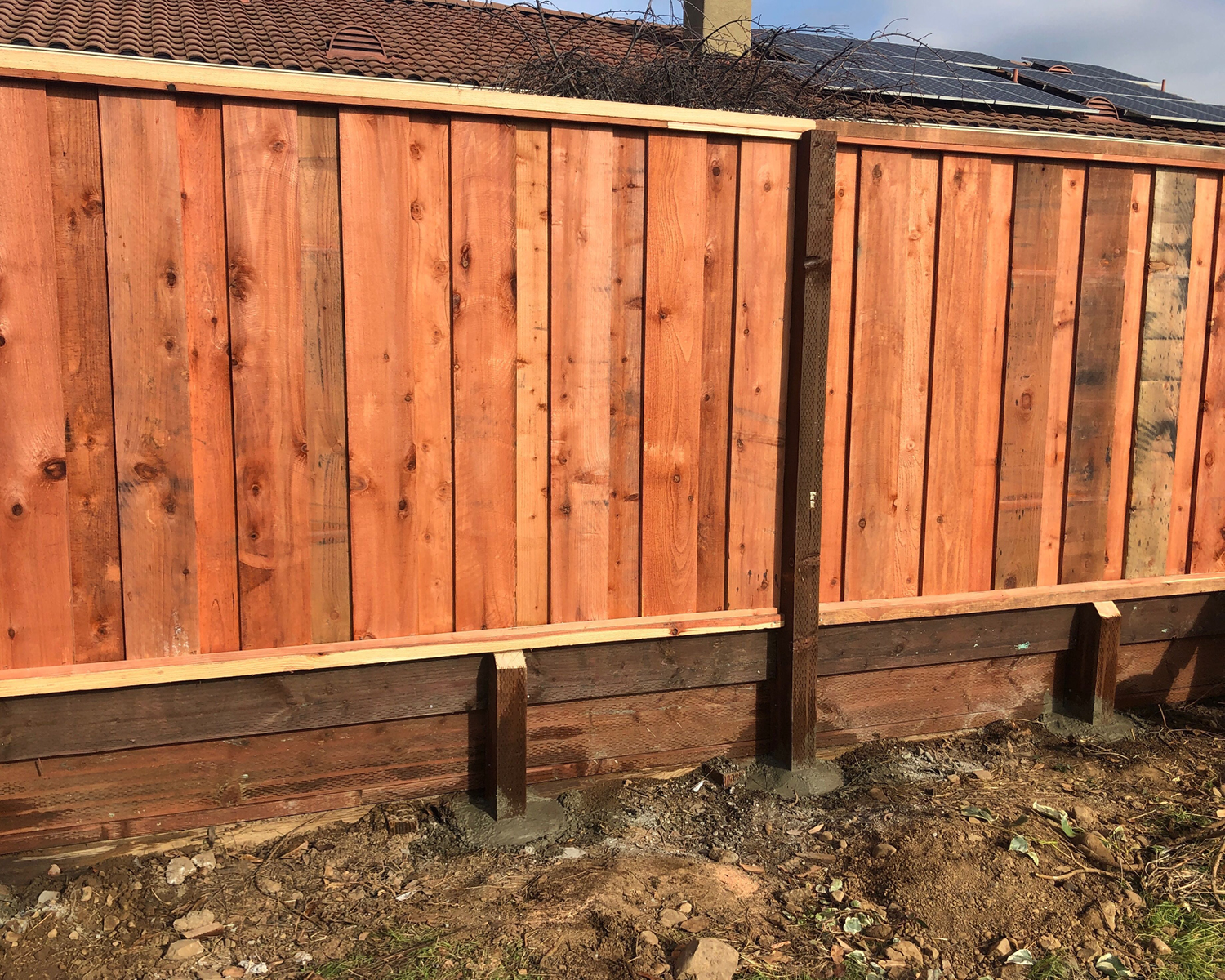morgan-hill-ca-picture-frame-with-1-x1-s-top-and-bottom-board-on-board-with-an-integrated-1-retaining-wall