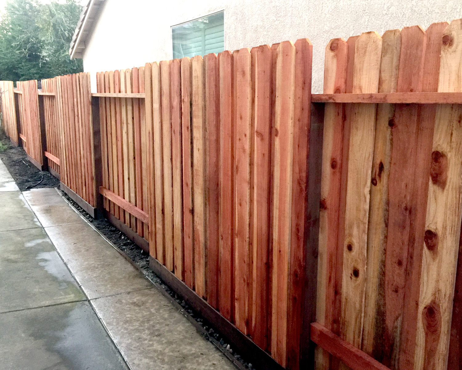 lodi-ca-nail-up-board-on-board-dog-ear-with-alternating-panels-aka-good-neighbor