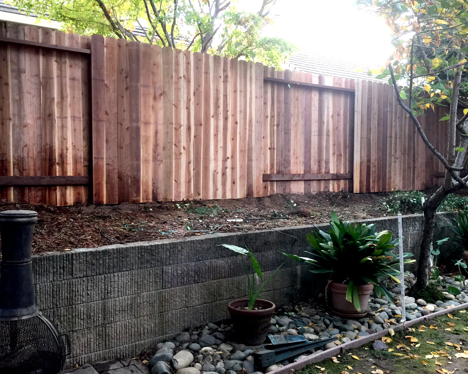 orangevale-ca-nail-up-side-by-side-dog-ear-with-alternating-panels