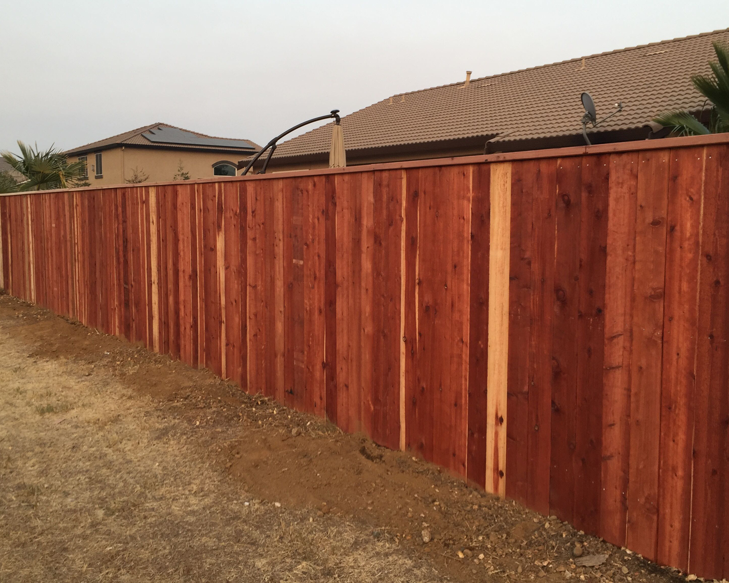 woodland-ca-nail-up-side-by-side-flat-top-with-2-x-6-cap-rail