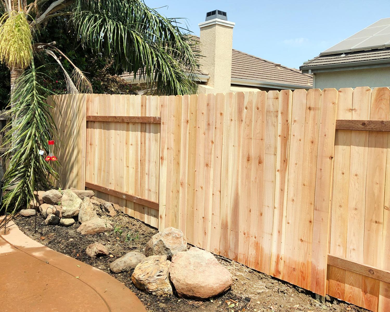 sacramento-ca-nail-up-board-on-board-dog-ear-with-alternating-panels-aka-good-neighbor