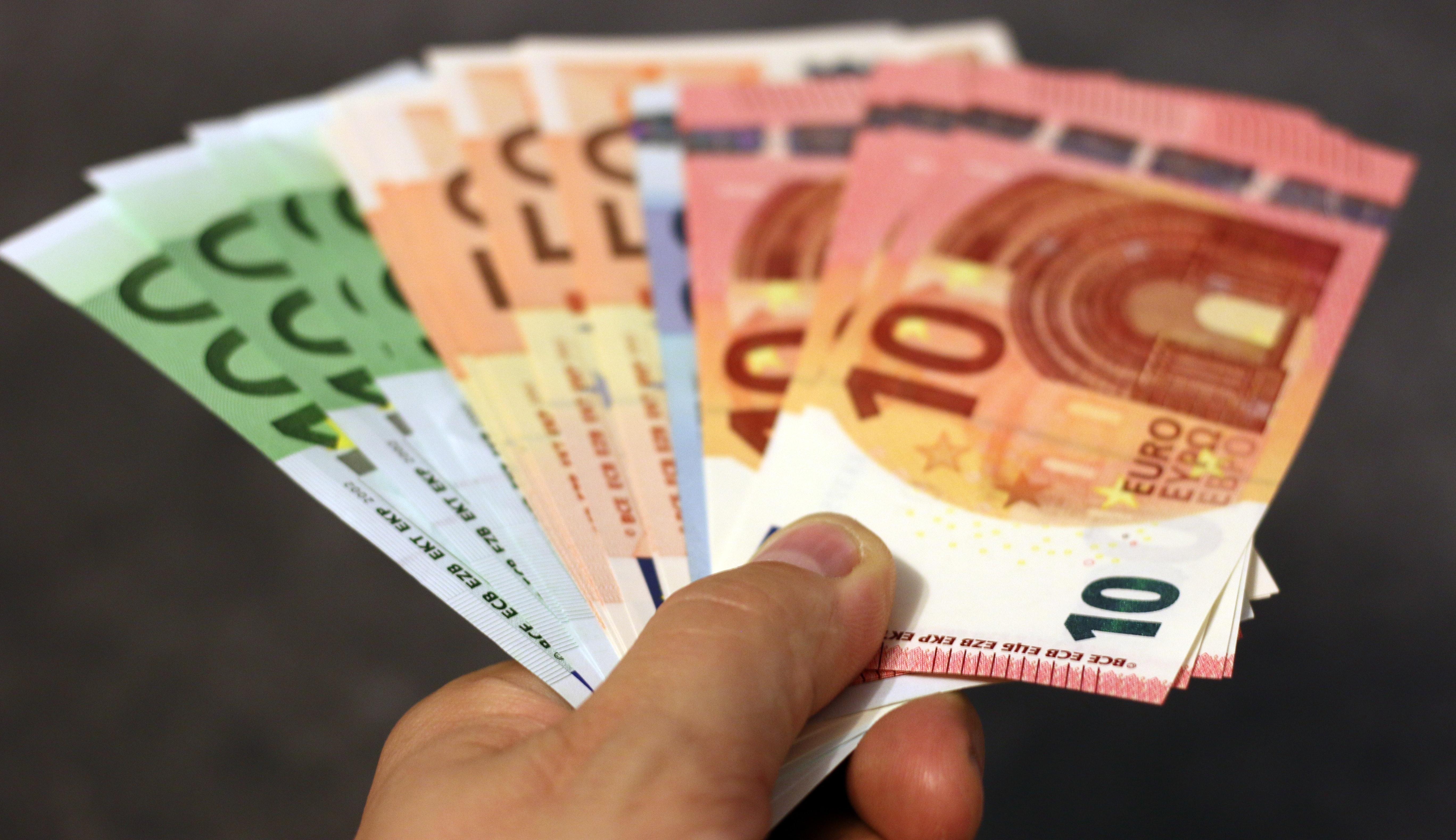 "<img alt=""stack of euros"">"