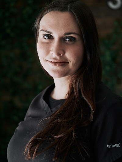 Headshot of Receptionist / Dental Assistant Alicia